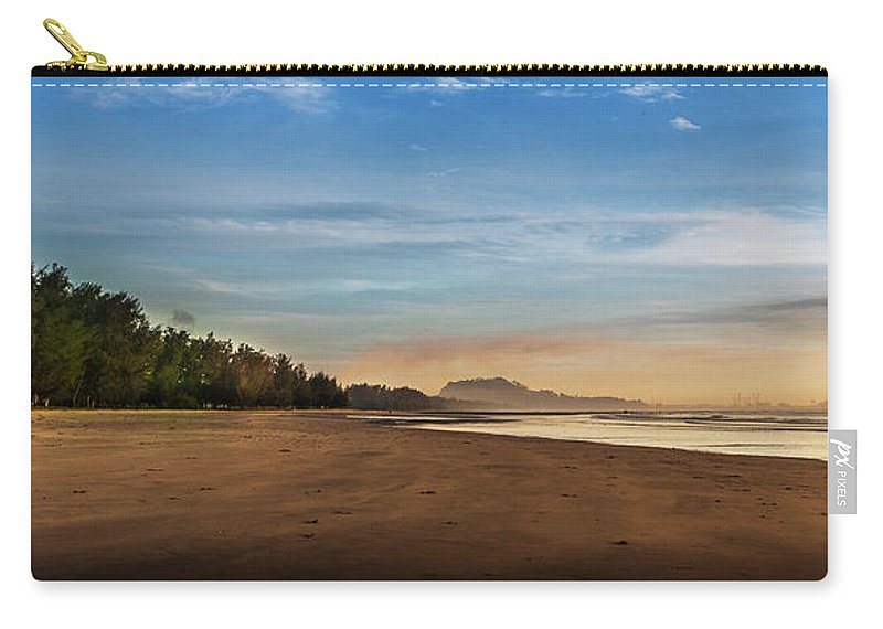 Tranquility Carry-all Pouch featuring the photograph Eastern Edge Of Malaysia by Simonlong