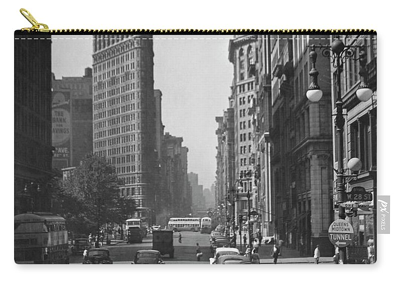 1950-1959 Carry-all Pouch featuring the photograph Fifth Ave. And The Flatiron Bldg by George Marks