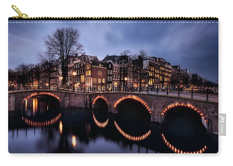 Holland Carry-all Pouch featuring the photograph Freedom City by Jorge Maia