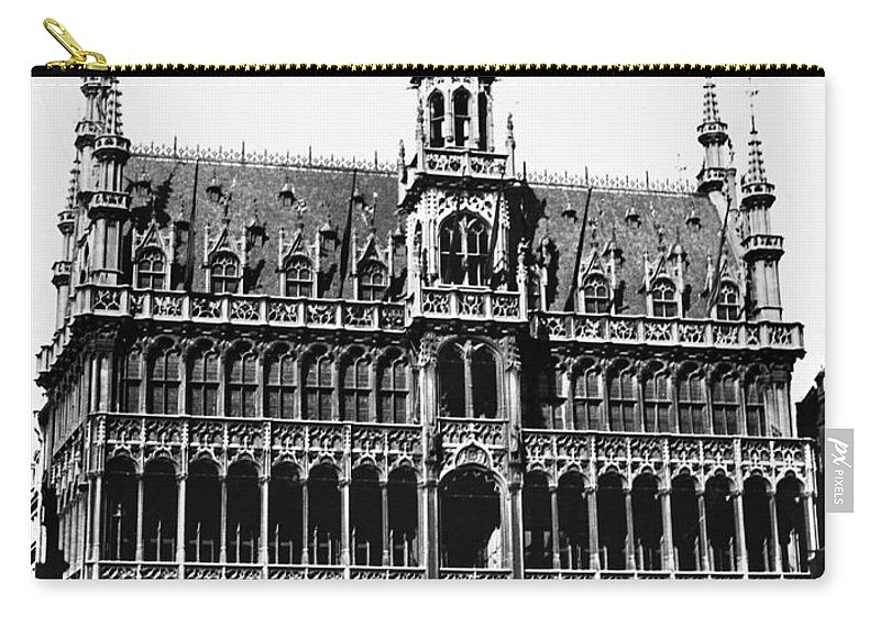 15th Century Carry-all Pouch featuring the photograph Grand Palace, Brussels by Granger