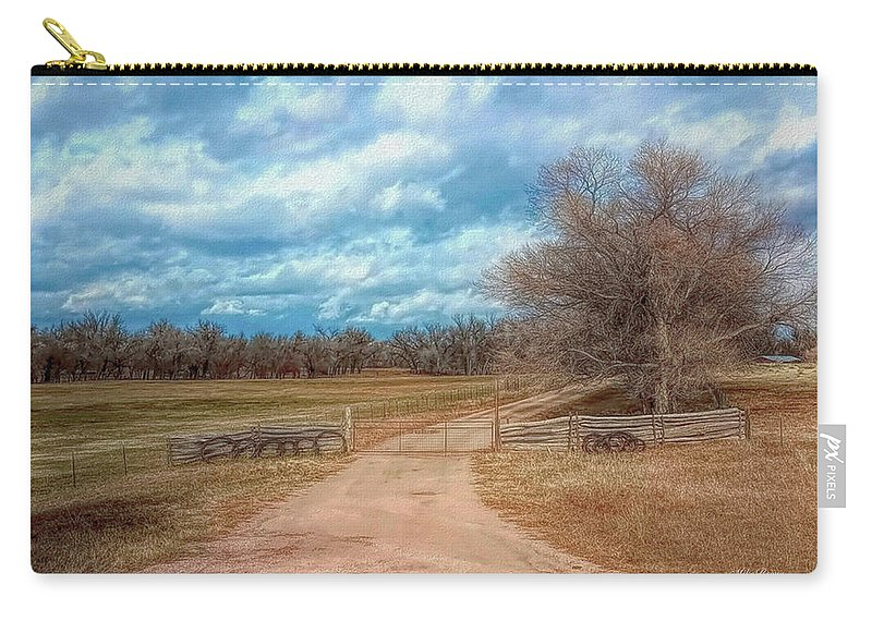Colorado Carry-all Pouch featuring the photograph Home On The Range by Mike Braun