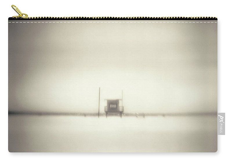 California Carry-all Pouch featuring the photograph Lifeguard Hut On Santa Monica Beach by Alan Horsager