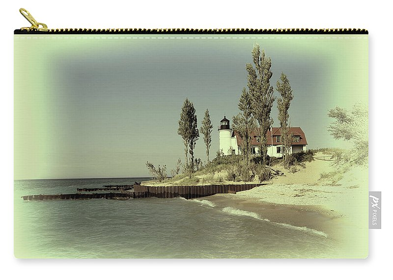 Lake Michigan Frankfort Carry-all Pouch featuring the photograph Point Betsie Lighthouse 2 by Melvin Busch