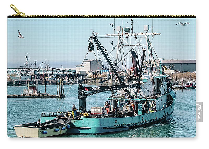 Westport Washington Carry-all Pouch featuring the photograph Tani Rae Returns Home by Lost River Photography