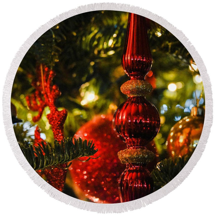 Christmas Tree Round Beach Towel featuring the photograph Holiday Decorations by Lee Roth