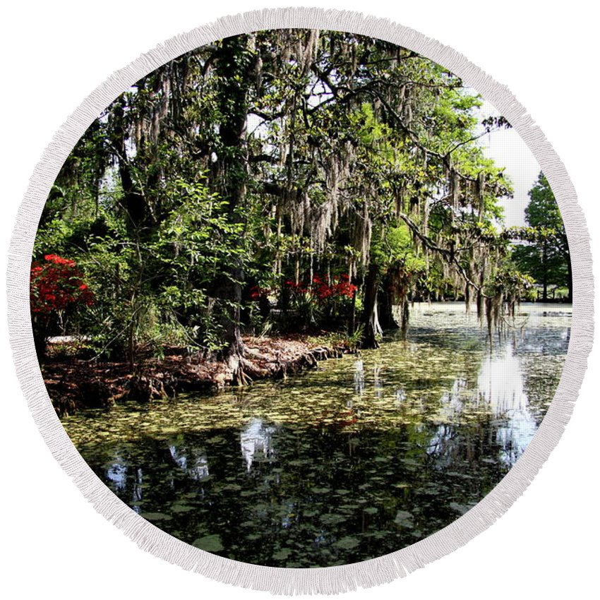 Swamp Round Beach Towel featuring the photograph Magnolia Plantation Gardens by Christiane Schulze Art And Photography