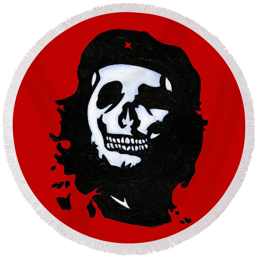 Revolution Round Beach Towel featuring the painting Che Of The Dead by Brian Bingham