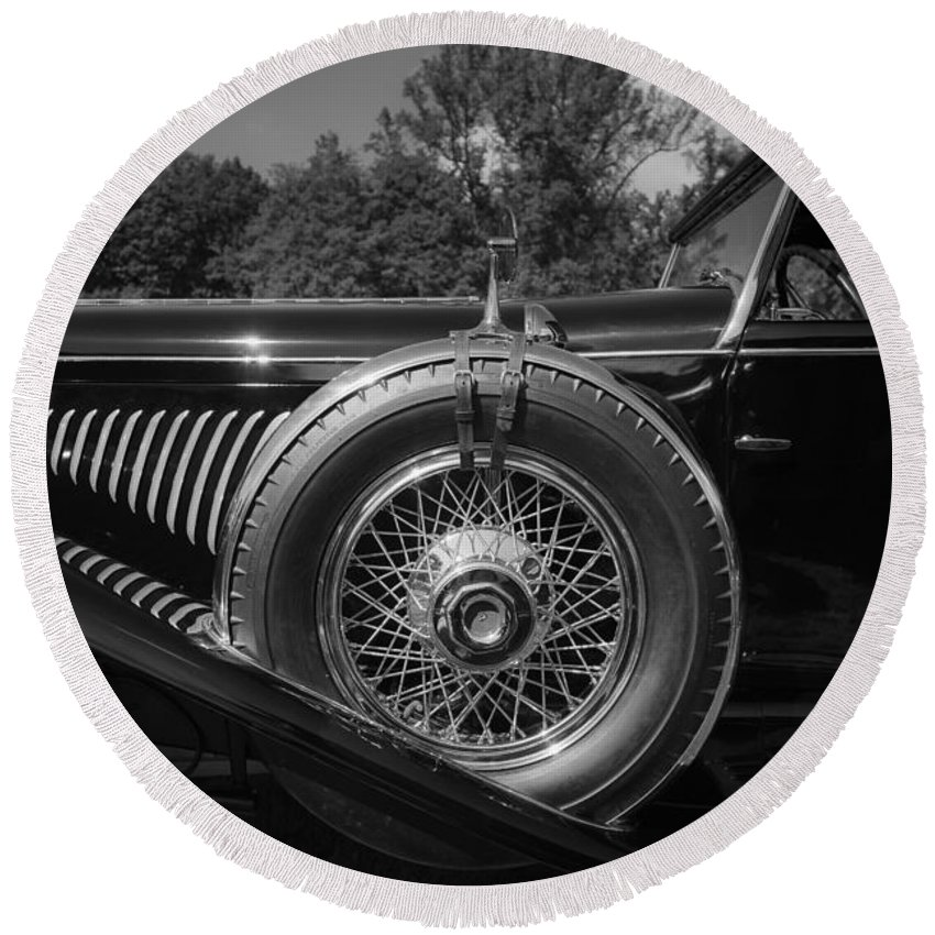 Antique Round Beach Towel featuring the photograph 1929 Duesenberg Model J Covertible Coupe By Murphy by Jack R Perry