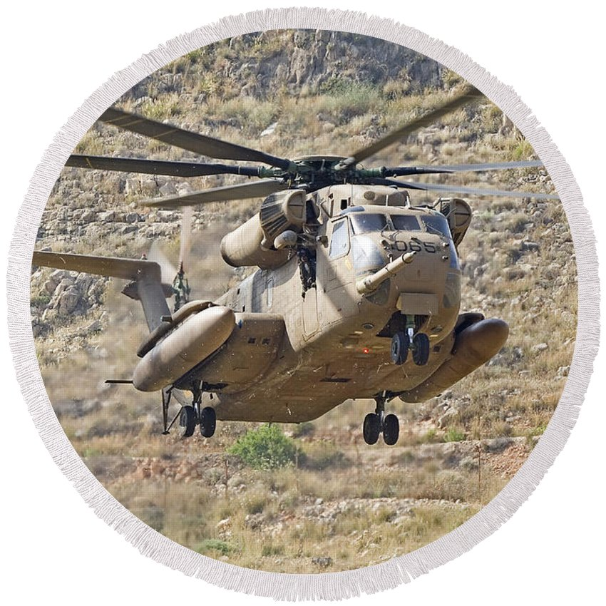 Transportation Round Beach Towel featuring the photograph A Ch-53 Yasur 2000 Of The Israeli Air by Ofer Zidon