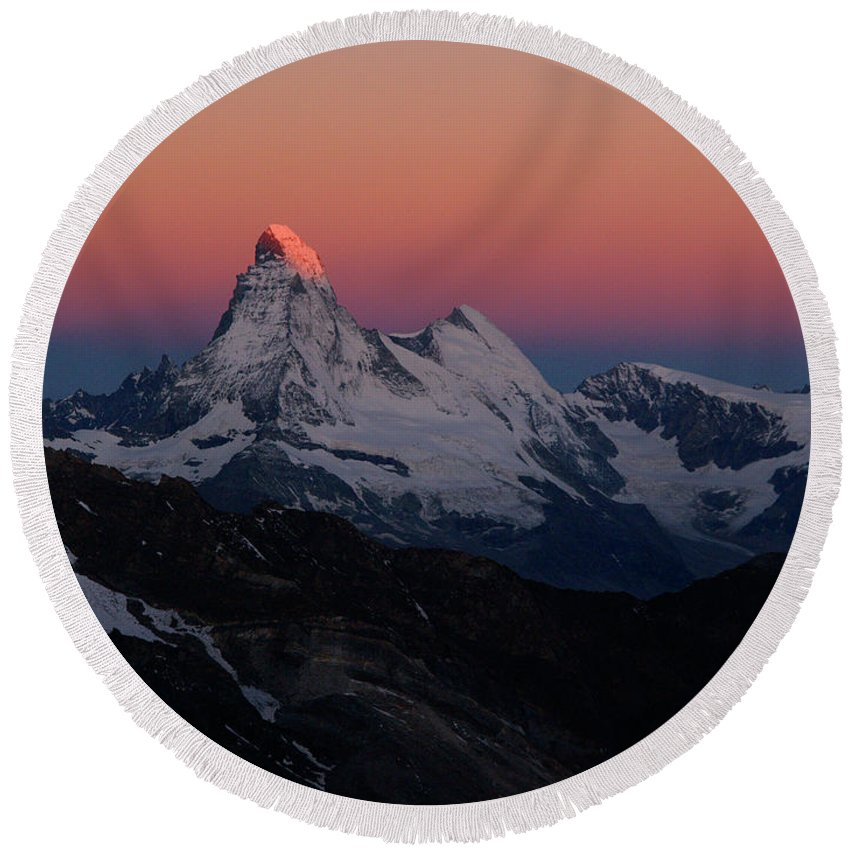 Alpenglow Round Beach Towel featuring the photograph Alpenglow On The Matterhorn And Dent by Menno Boermans