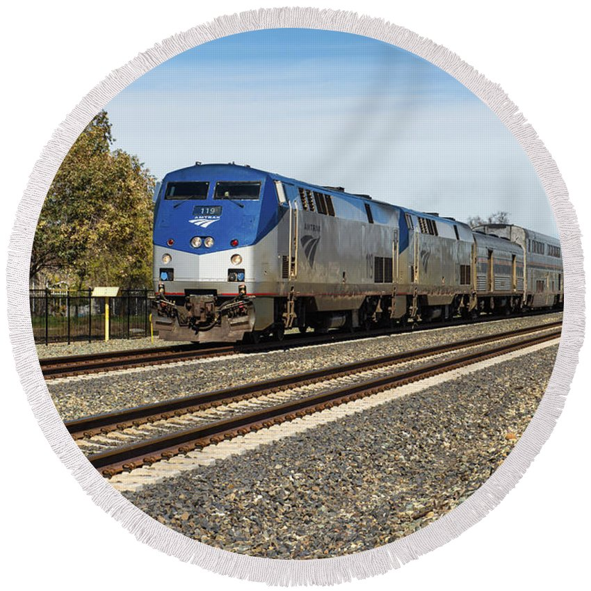 Rocklin Round Beach Towel featuring the photograph Amtrak 119 by Jim Thompson