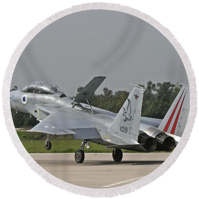 Aircraft Round Beach Towel featuring the photograph An F-15b Baz Of The Israeli Air Force by Ofer Zidon
