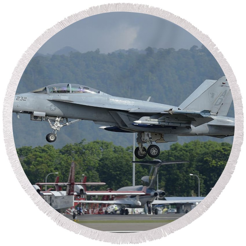 Horizontal Round Beach Towel featuring the photograph An Fa-18 Super Hornet Of The U.s. Navy by Remo Guidi