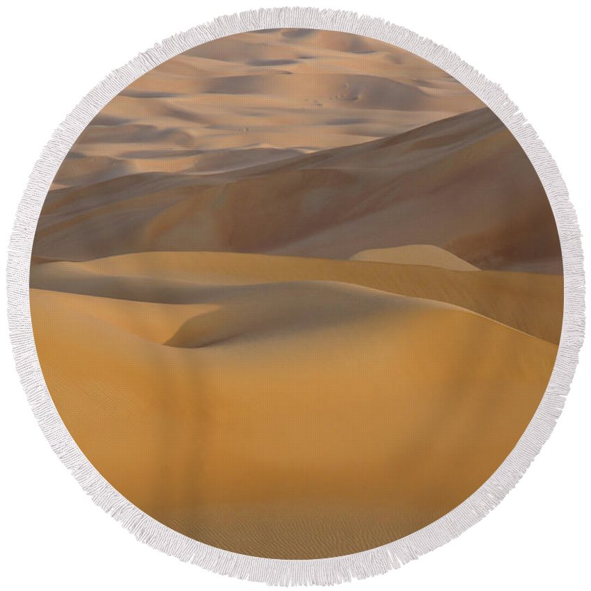 Abu Dhabi Round Beach Towel featuring the photograph Arabian Sands by Michele Burgess