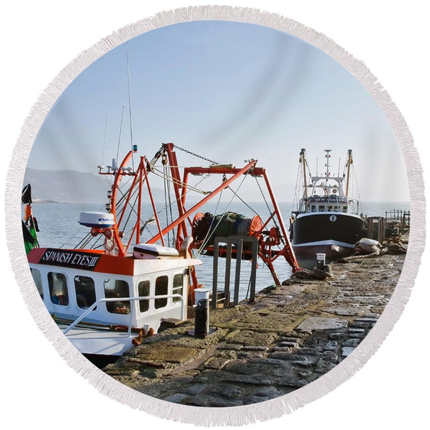 Cobb Round Beach Towel featuring the photograph At The Cobb -- Lyme Regis by Susie Peek