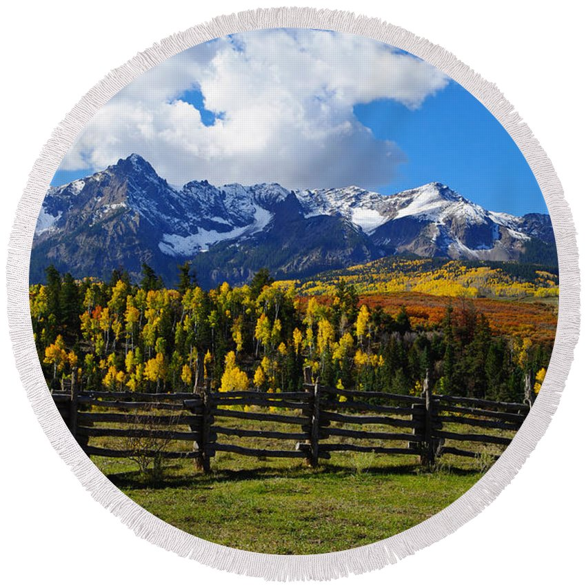 Colorado Photographs Round Beach Towel featuring the photograph Autumn Fences by Gary Benson