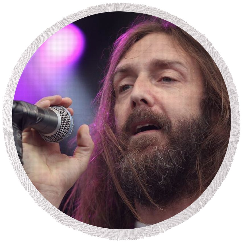 Performance Round Beach Towel featuring the photograph Black Crowes - Chris Robinson by Concert Photos
