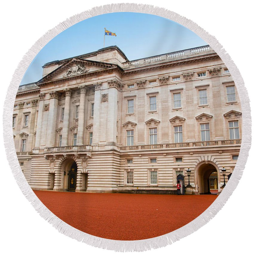 Guard Round Beach Towel featuring the photograph Buckingham Palace In London Uk by Michal Bednarek