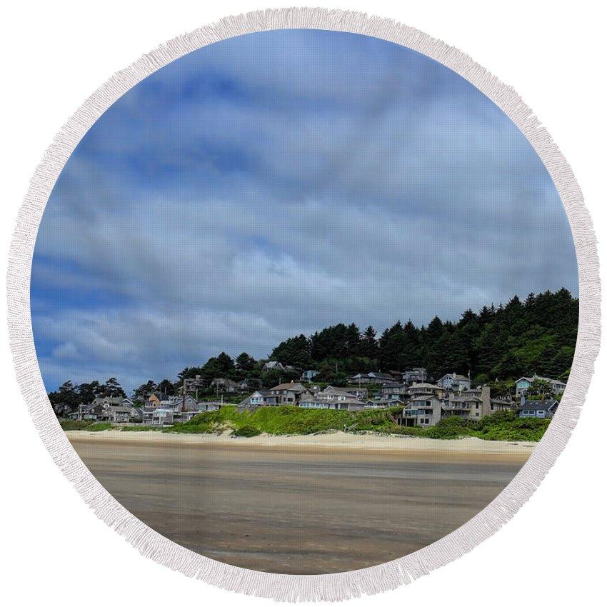 Dale Kauzlaric Round Beach Towel featuring the photograph Cannon Beach North by Dale Kauzlaric