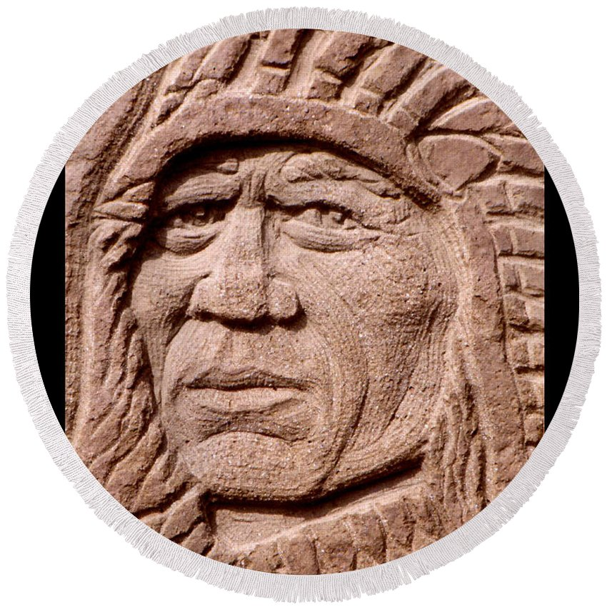 American Indians Round Beach Towel featuring the sculpture Chief-iron-tail by Gordon Punt