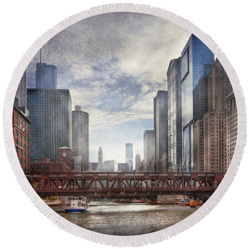 Chicago Round Beach Towel featuring the photograph City - Chicago Il - Looking Toward The Future by Mike Savad