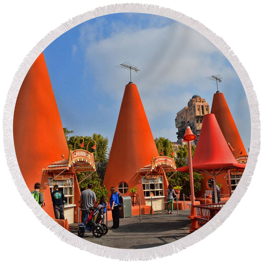 Disney California Adventure Round Beach Towel featuring the photograph Cozy Cone Motel by Tommy Anderson