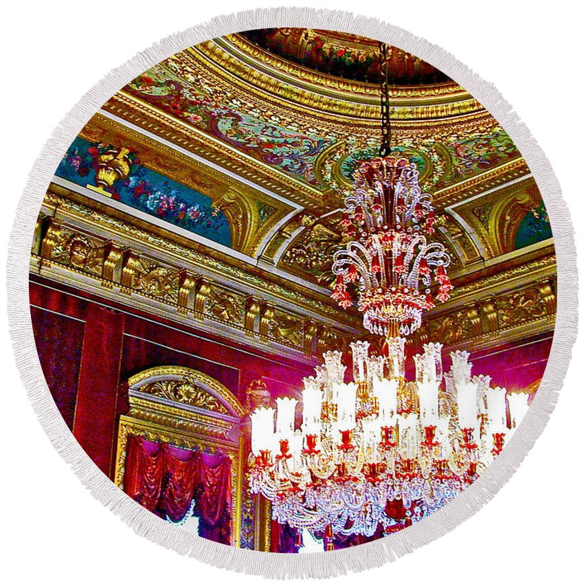 Crystal Chandelier In Dolmabache Palace In Istanbul Round Beach Towel featuring the photograph Crystal Chandelier In Dolmabache Palace In Istanbul-turkey by Ruth Hager