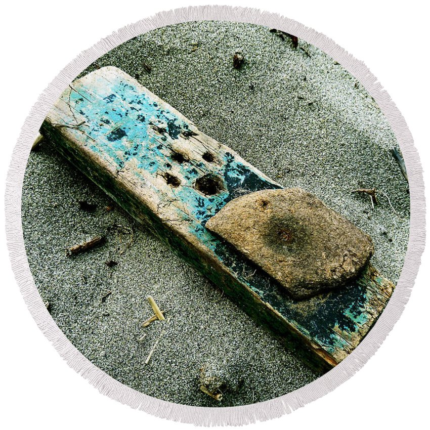 Sand Round Beach Towel featuring the photograph Driftwood by Steve Taylor