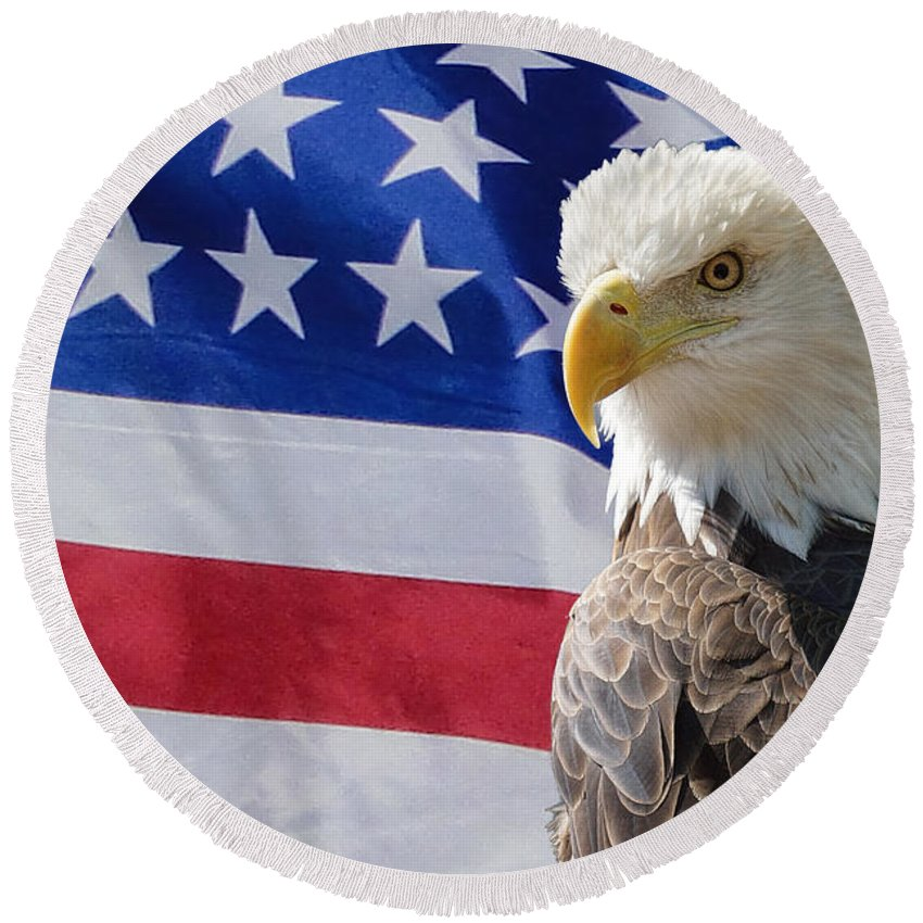 Eagle Round Beach Towel featuring the photograph Eagle And Flag by Alan Hutchins