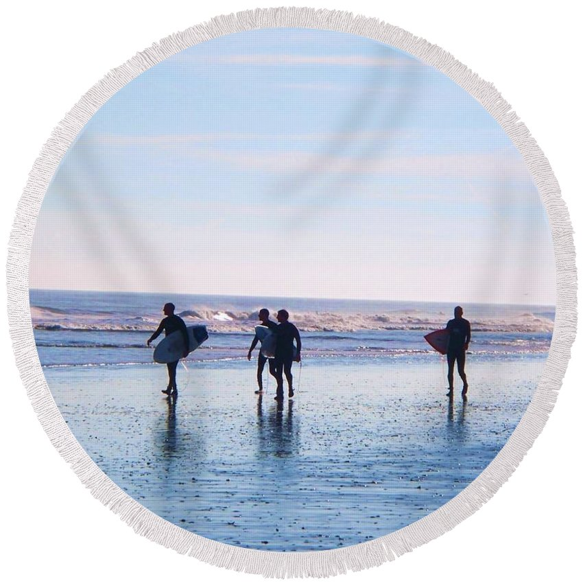 Endless Summer Round Beach Towel featuring the photograph Endless Summer by Eric Schiabor