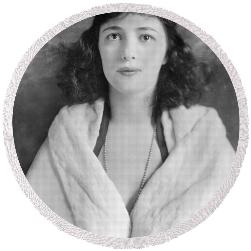 20th Century Round Beach Towel featuring the photograph Evelyn Nesbit by Granger