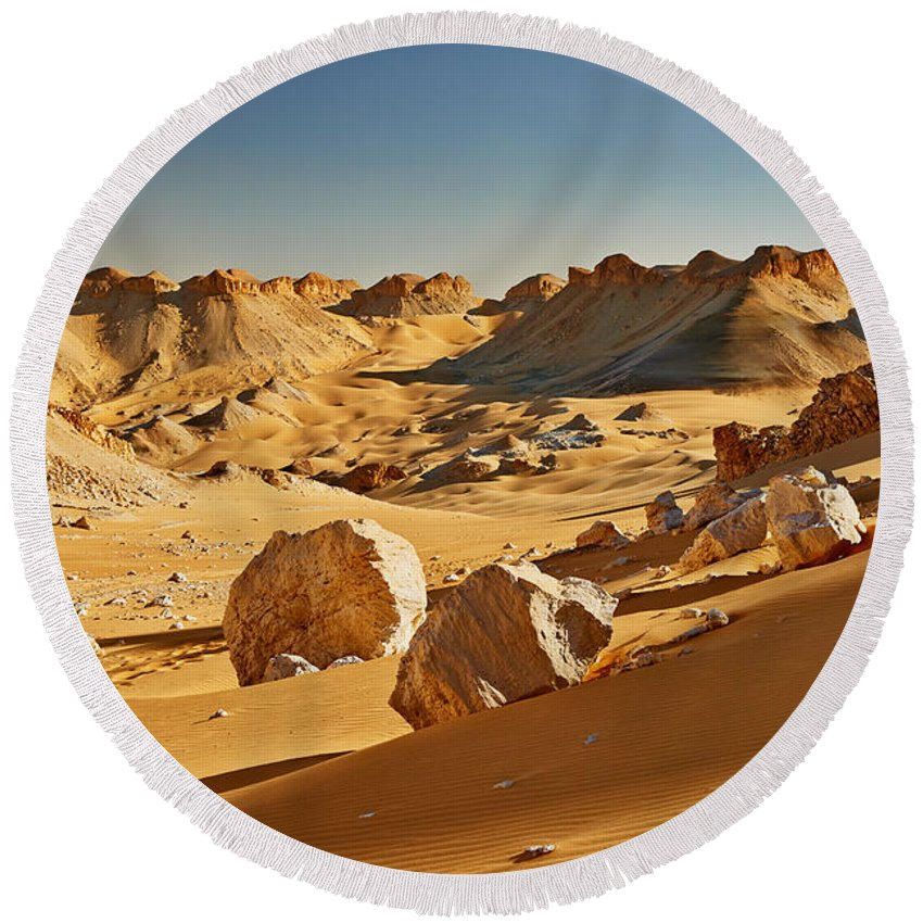 Fotografie Round Beach Towel featuring the photograph Expressive Landscape With Mountains In Egyptian Desert by Juergen Ritterbach