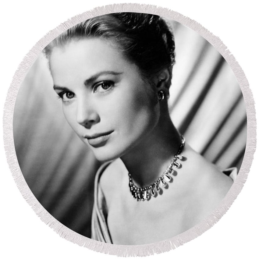 Grace Kelly Round Beach Towels
