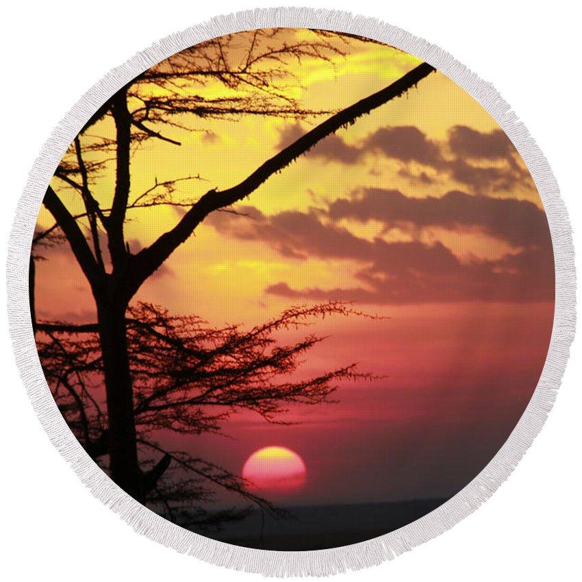African Round Beach Towel featuring the photograph Kenyan Sunset by Gilad Flesch