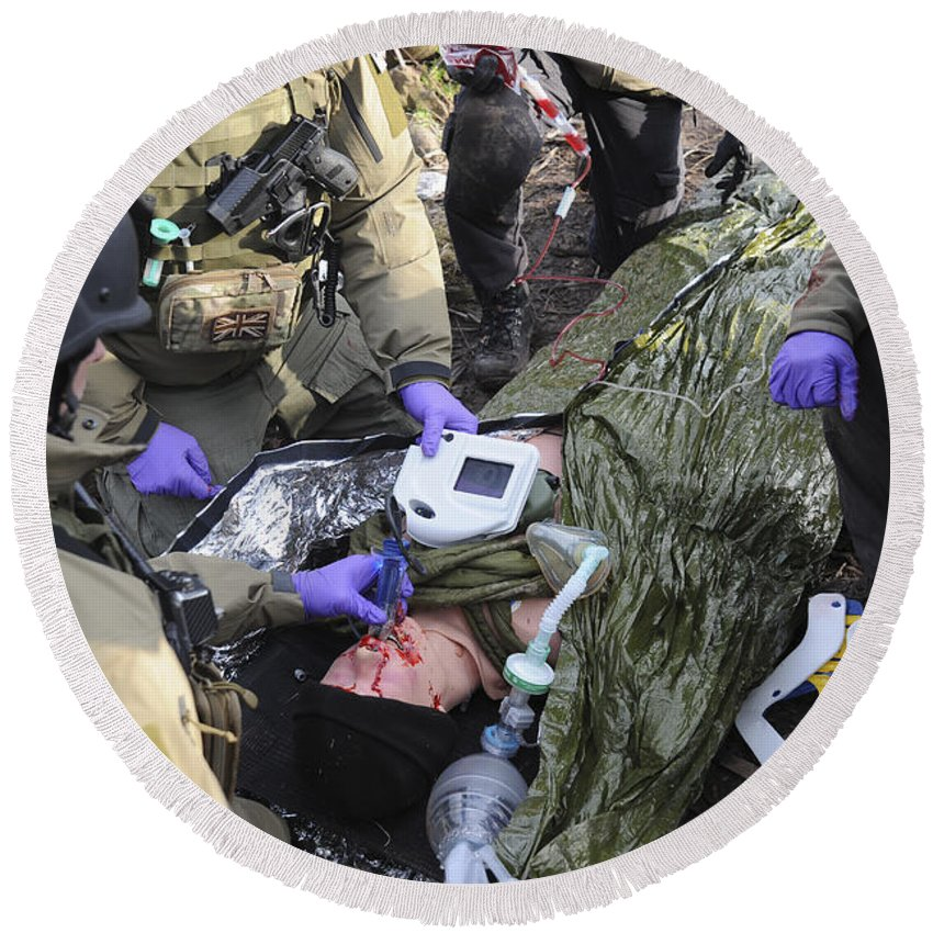 Paramedic Round Beach Towel featuring the photograph Medics Of The British Special Forces by Andrew Chittock