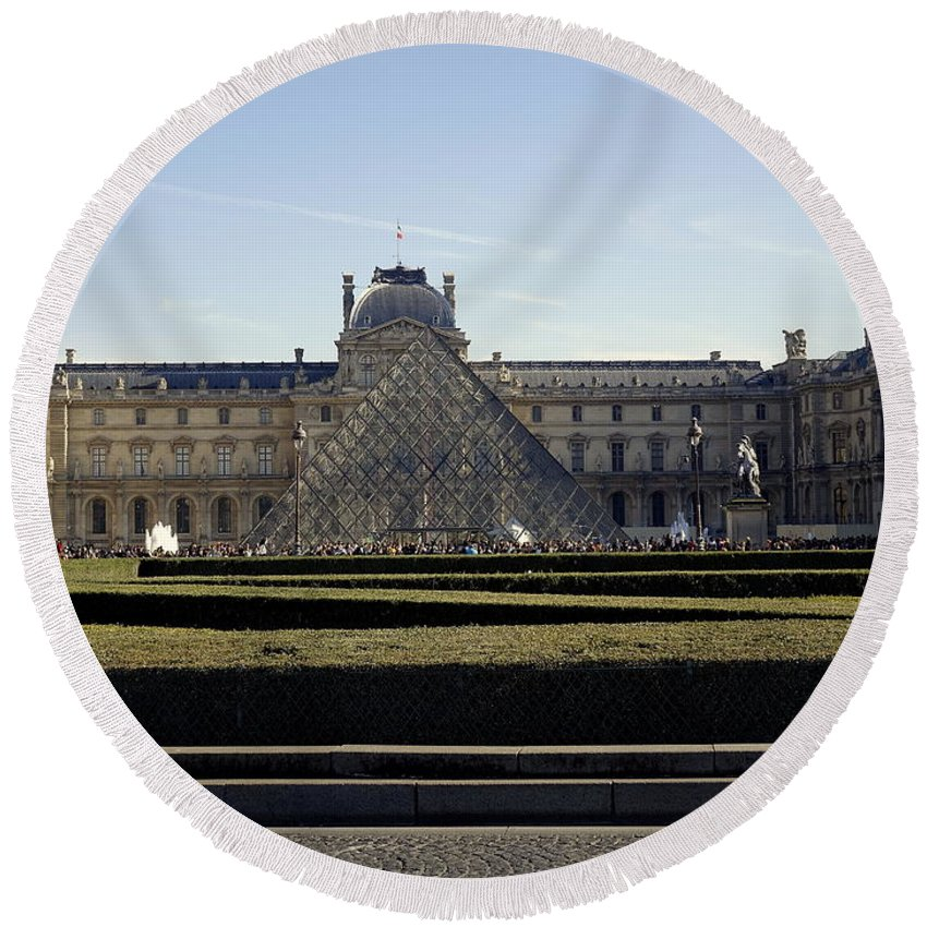 Paris Round Beach Towel featuring the photograph Musee Du Louvre In Paris France by Richard Rosenshein