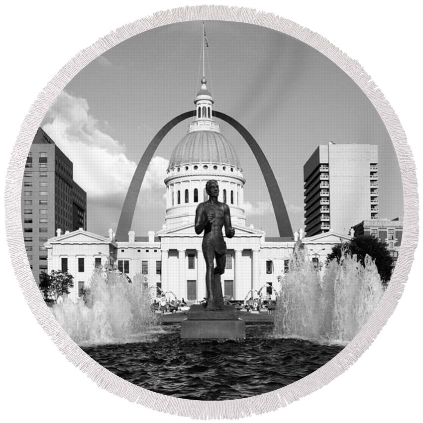 Black And White Round Beach Towel featuring the photograph Old Courthouse Saint Louis Mo by Bill Cobb