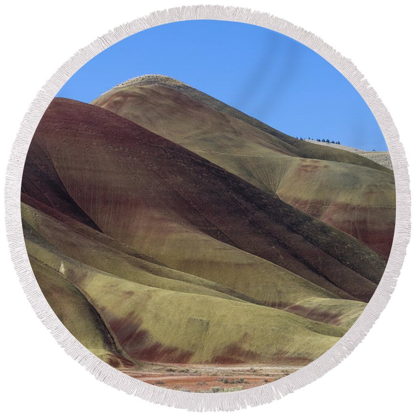 John Day Fossil Beds Round Beach Towel featuring the photograph Painted Hills Of Oregon by John Trax