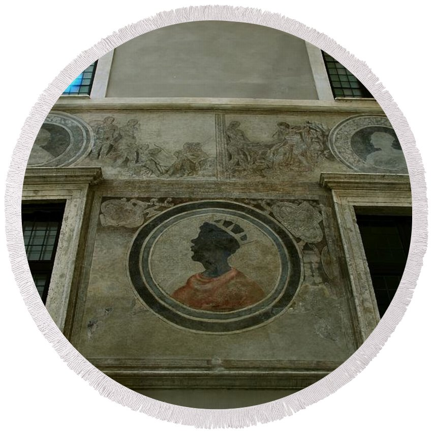 Italy Round Beach Towel featuring the photograph Painted Wall by Eric Tressler