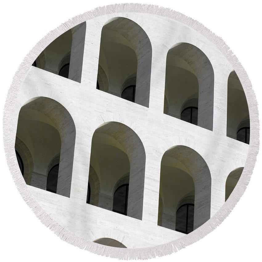 Palazzo Della Civilta' Romana Round Beach Towel featuring the photograph Palazzo Della Civilta' Romana by Fabrizio Troiani