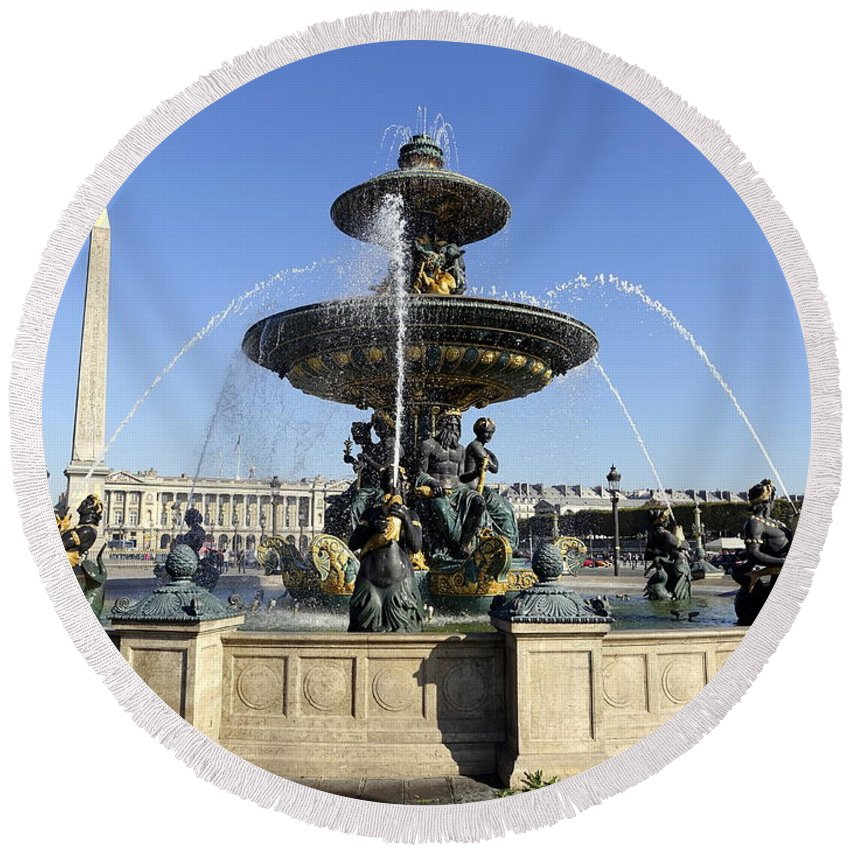 Paris Round Beach Towel featuring the photograph Public Fountain At The Place De La Concorde In Paris France by Richard Rosenshein