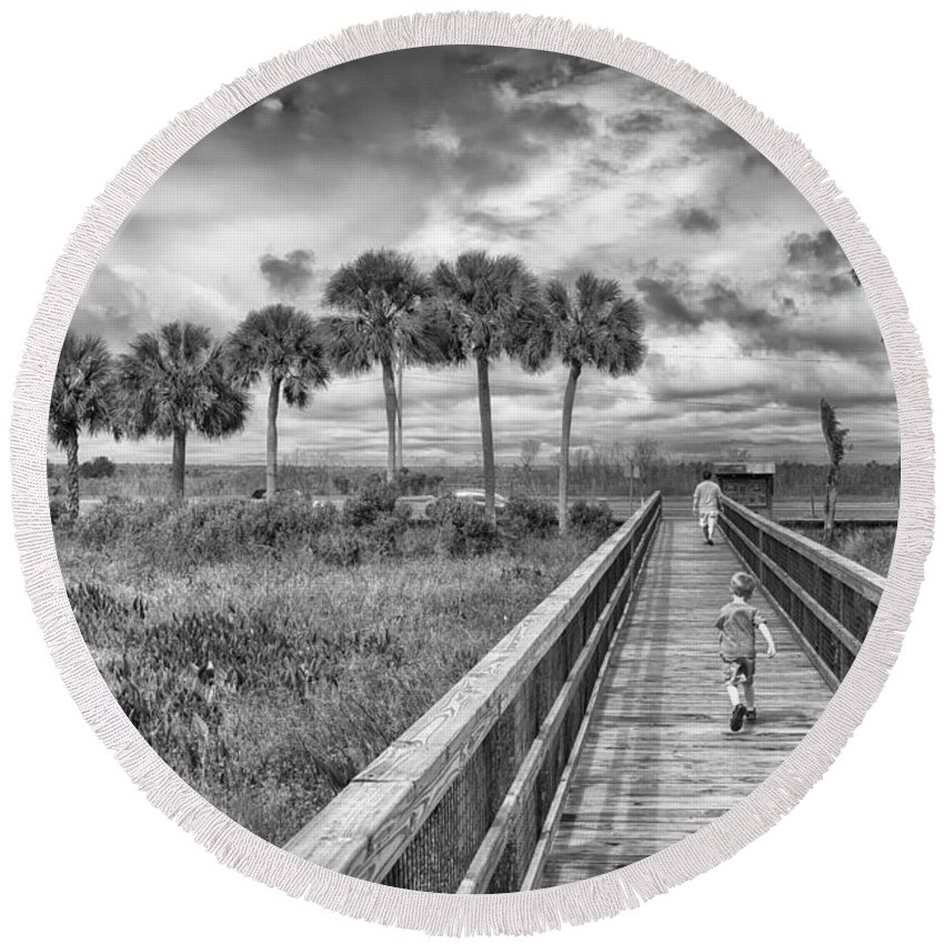 Hdr Round Beach Towel featuring the photograph Running by Howard Salmon