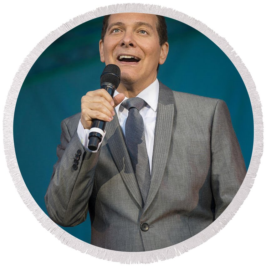 Michael Feinstein Round Beach Towel featuring the photograph Singer Michael Feinstein Performing With The Pasadena Pops. by Jamie Pham