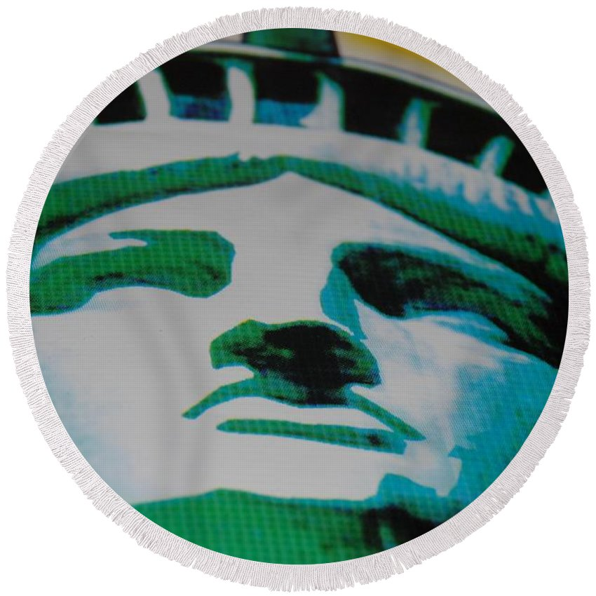 Statue Of Liberty Round Beach Towel featuring the photograph Statue Of Liberty by Rob Hans