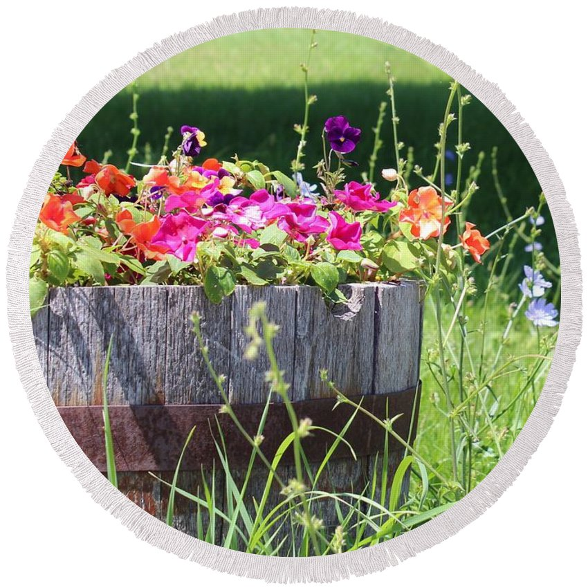 Wooden Pot Round Beach Towel featuring the photograph Summer Garden by Kume Bryant