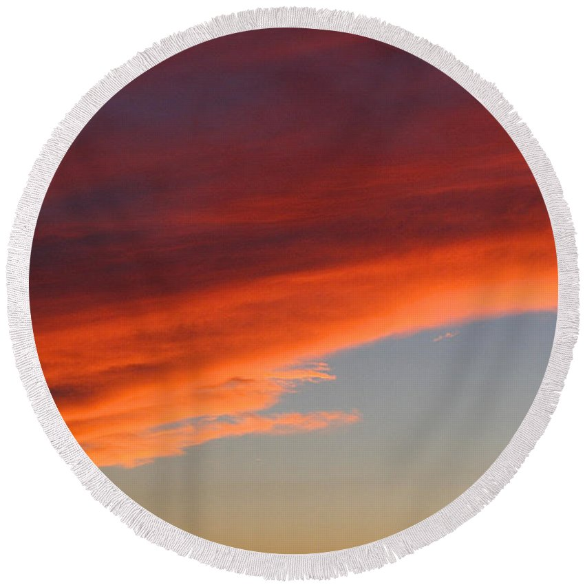 Outdoors Round Beach Towel featuring the photograph Sundown by Susan Herber