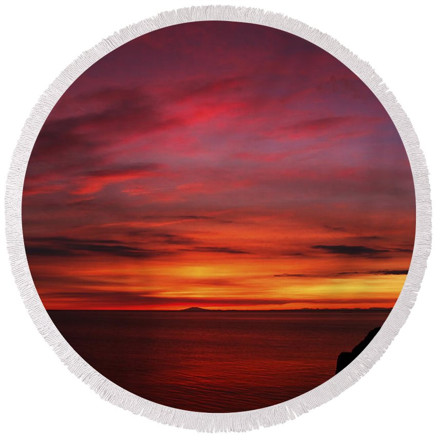 Sunset Round Beach Towel featuring the photograph Sunset By The Sea by Gunnar Orn Arnason