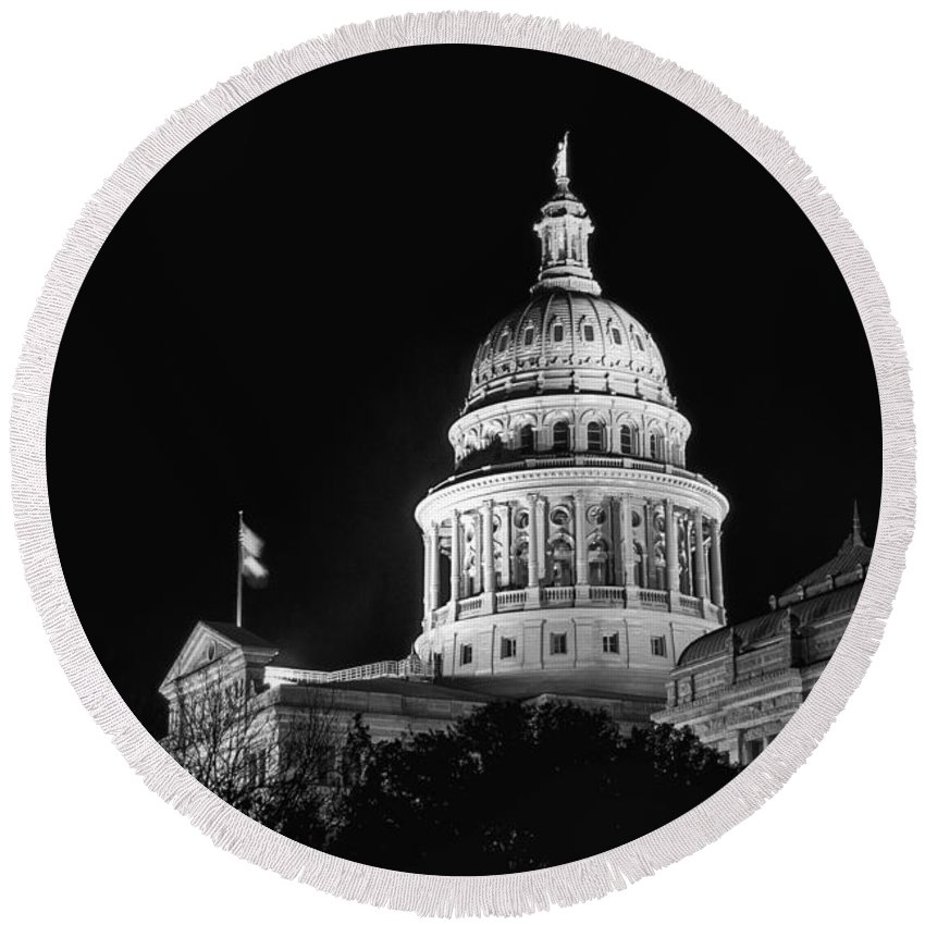 Texas State Capitol Building Capitols Buildings Structure Structures City Cities Architecture Landmark Landmarks Black And White Austin Round Beach Towel featuring the photograph Texas State Capitol 2 by Bob Phillips