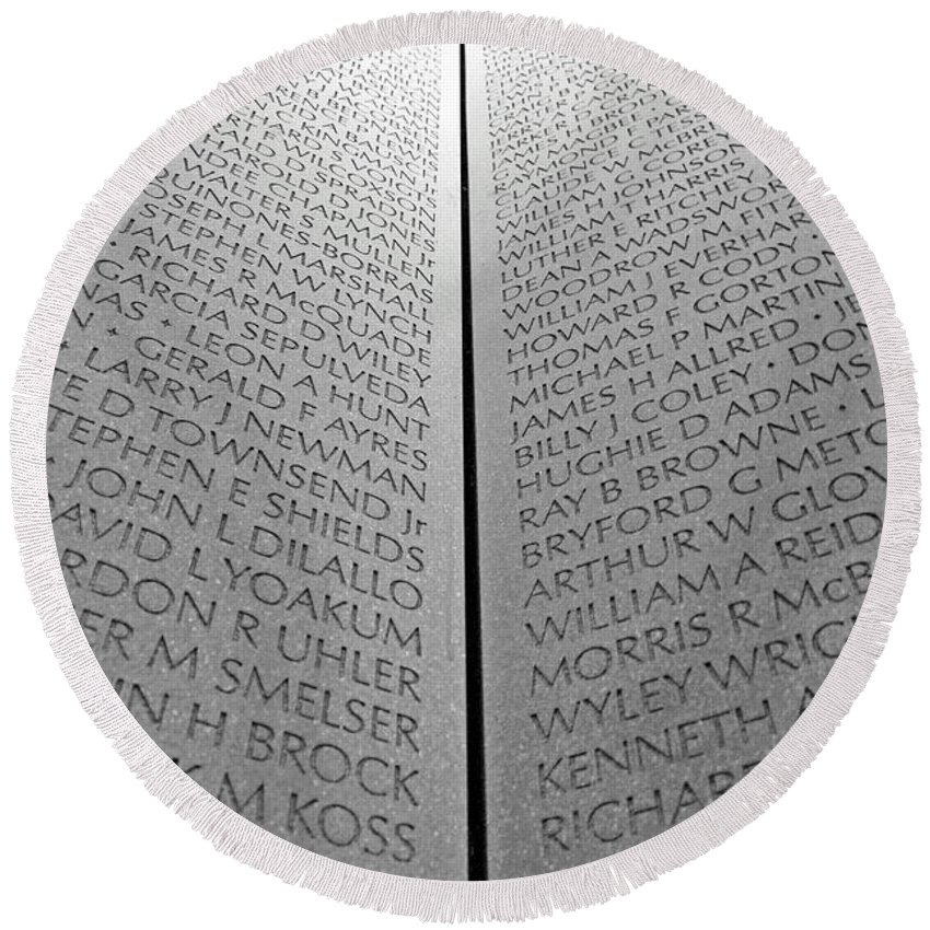 Vietnam Round Beach Towel featuring the photograph The Vietnam Memorial Wall by Cora Wandel