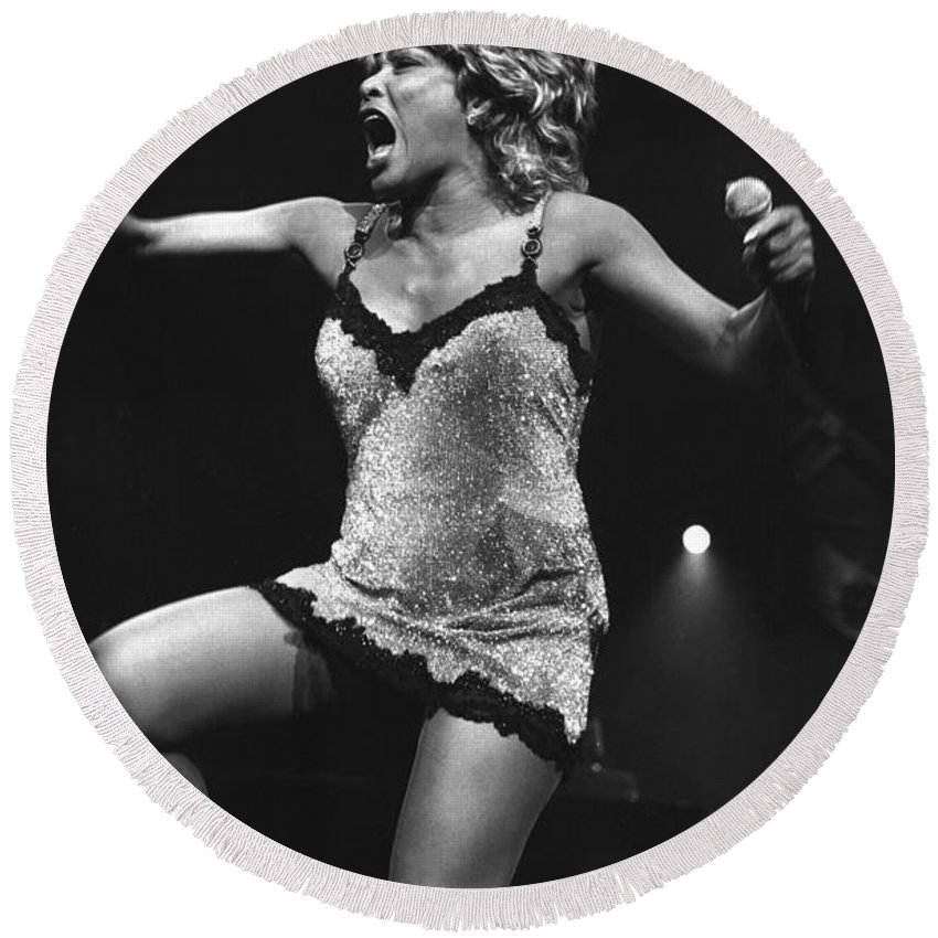 Singer Round Beach Towel featuring the photograph Tina Turner by Concert Photos